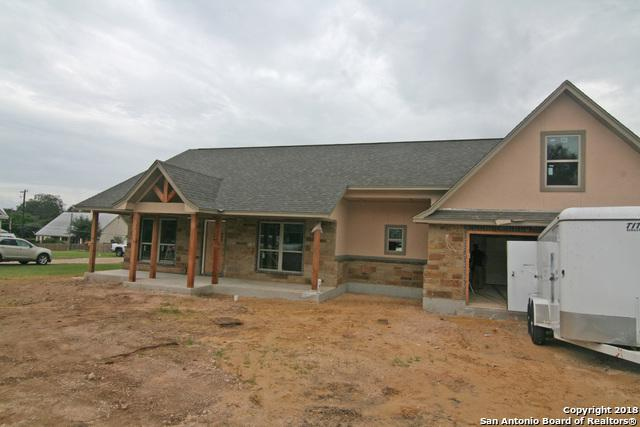 910 London, Castroville, TX 78009 (MLS #1337303) :: Tom White Group
