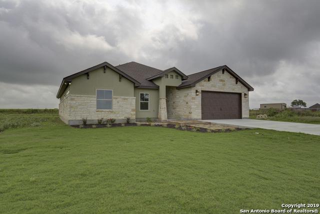 704 N Dickson St, Poth, TX 78147 (MLS #1345616) :: Erin Caraway Group