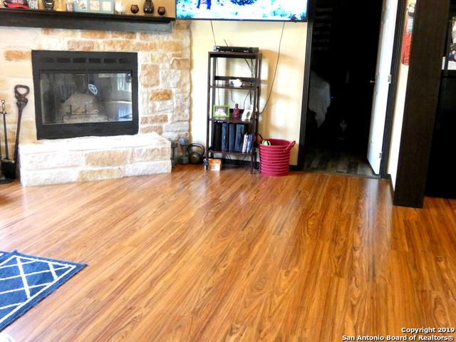 118 Post Oak Rd, La Vernia, TX 78121 (MLS #1357892) :: Alexis Weigand Real Estate Group