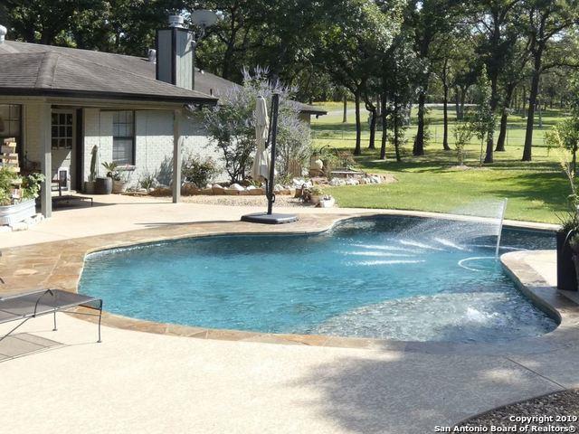 300 Oak Bend Dr, La Vernia, TX 78121 (MLS #1384246) :: Alexis Weigand Real Estate Group