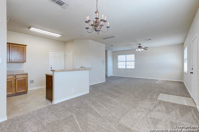 617 Meadow Arbor Ln, Universal City, TX 78148 (MLS #1400382) :: Alexis Weigand Real Estate Group