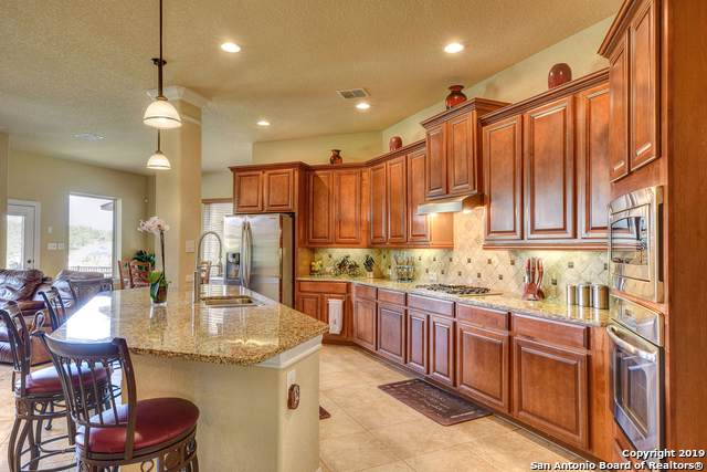 18038 Maui Sands, San Antonio, TX 78255 (#1415525) :: The Perry Henderson Group at Berkshire Hathaway Texas Realty