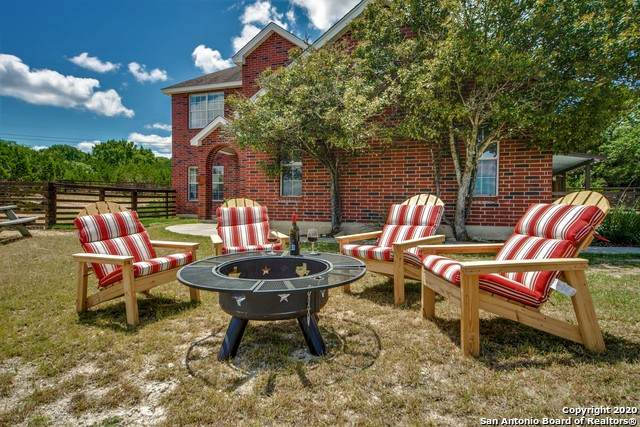 307 Lake View Dr, Boerne, TX 78006 (MLS #1439960) :: The Gradiz Group