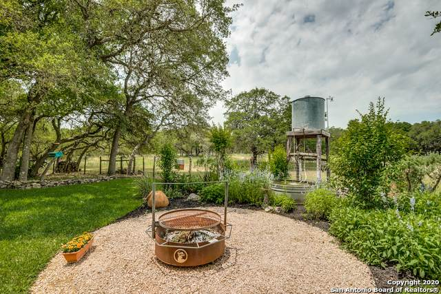 27337 Ranch Creek, Boerne, TX 78006 (MLS #1455120) :: Reyes Signature Properties