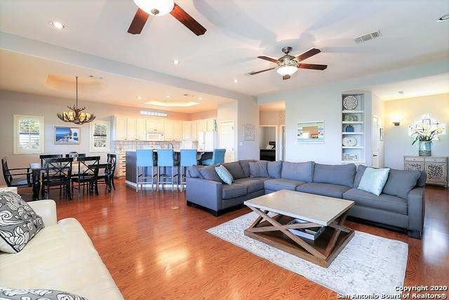 101 E Bluebonnet Rd, Horseshoe Bay, TX 78657 (MLS #1483517) :: Front Real Estate Co.