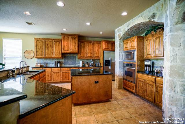 1007 Pegasus Dr, Spring Branch, TX 78070 (MLS #1519611) :: The Glover Homes & Land Group
