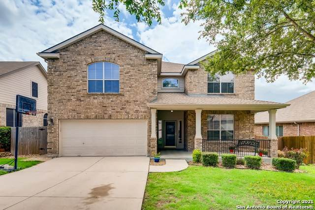 141 Falcon Crossing, Cibolo, TX 78108 (#1535349) :: The Perry Henderson Group at Berkshire Hathaway Texas Realty