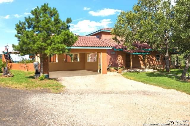 1311 County Road 427, Stockdale, TX 78160 (MLS #1545718) :: Texas Premier Realty