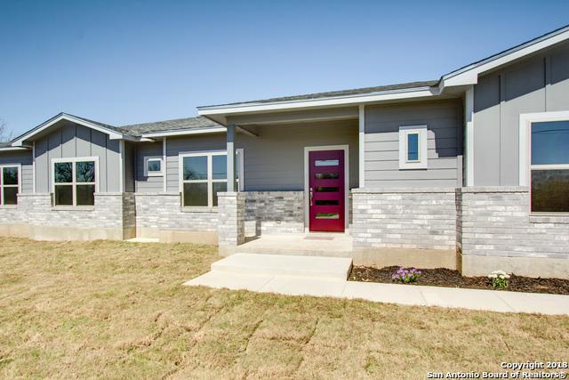 103 Bess, New Braunfels, TX 78130 (MLS #1273934) :: Magnolia Realty