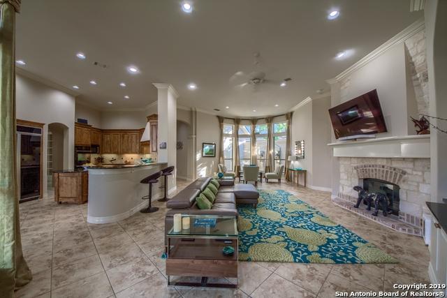 422 Hampton Way, Shavano Park, TX 78249 (MLS #1375698) :: The Gradiz Group