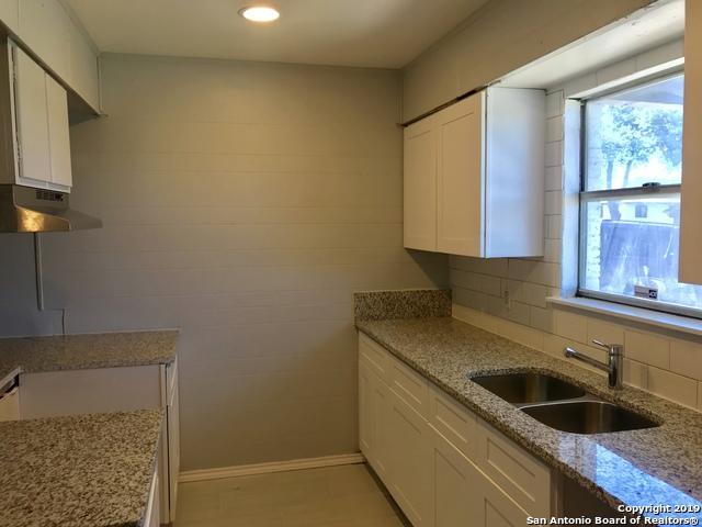 422 Bertetti Dr, San Antonio, TX 78227 (MLS #1375851) :: Alexis Weigand Real Estate Group