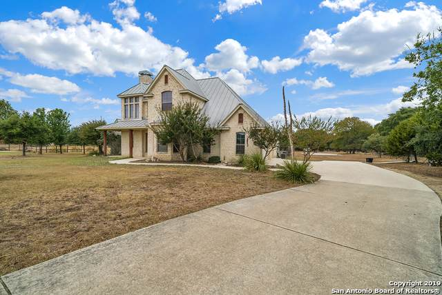 131 Lantana Ridge, Spring Branch, TX 78070 (#1403617) :: The Perry Henderson Group at Berkshire Hathaway Texas Realty
