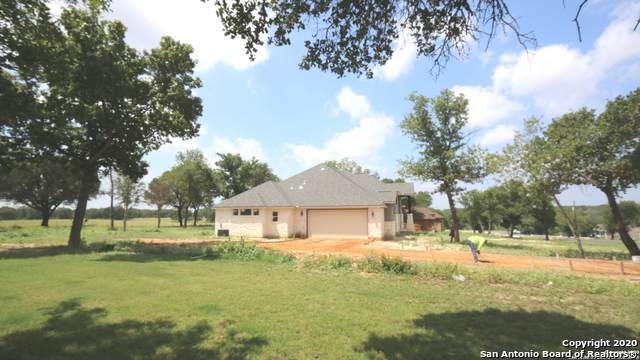 100 E Ashton Blvd, Floresville, TX 78114 (MLS #1449228) :: Carolina Garcia Real Estate Group