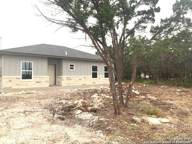 963 Live Oak Dr, Spring Branch, TX 78070 (MLS #1455646) :: The Mullen Group | RE/MAX Access