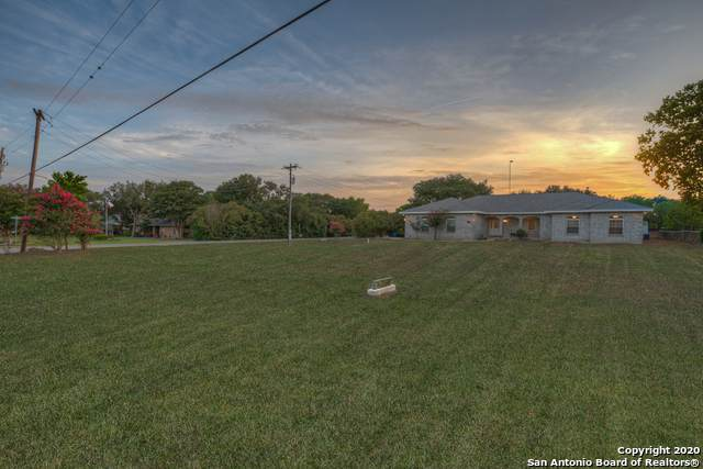 1531 Flaming Oak Dr, New Braunfels, TX 78132 (MLS #1467385) :: Legend Realty Group