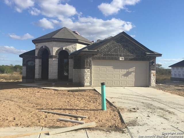 3226 Blantyre, Converse, TX 78109 (#1488907) :: The Perry Henderson Group at Berkshire Hathaway Texas Realty