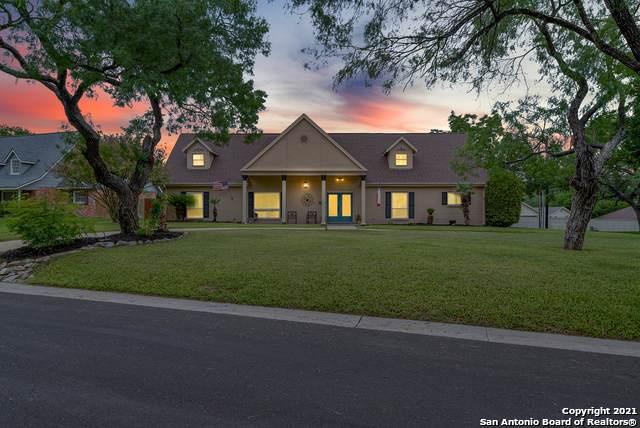 207 Lochaven Ln, Castle Hills, TX 78213 (MLS #1546379) :: Santos and Sandberg