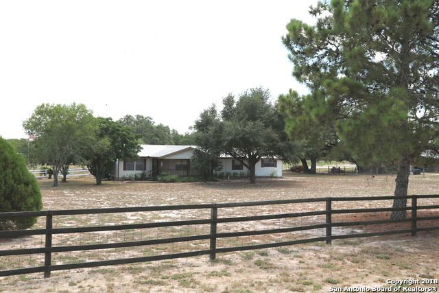 191 Ranch Country Dr, La Vernia, TX 78121 (MLS #1308279) :: Alexis Weigand Real Estate Group