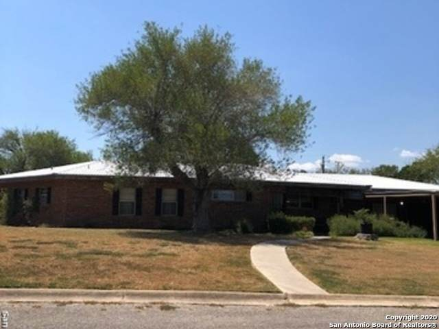 316 Hackberry St, Kenedy, TX 78119 (#1478408) :: The Perry Henderson Group at Berkshire Hathaway Texas Realty
