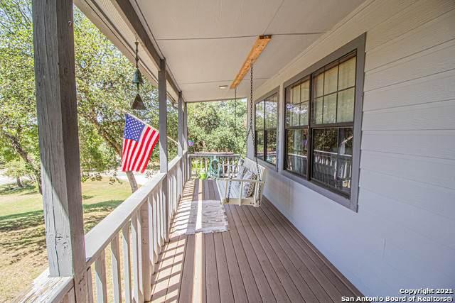 1060 Summit Rd, Lakehills, TX 78063 (MLS #1555589) :: Texas Premier Realty