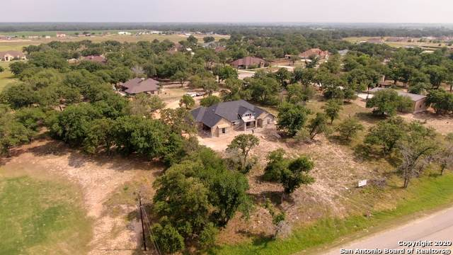 117 Abrego Knoll Dr, Floresville, TX 78114 (MLS #1453148) :: The Glover Homes & Land Group