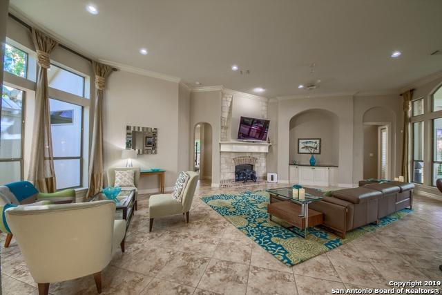 422 Hampton Way, Shavano Park, TX 78249 (MLS #1375698) :: Alexis Weigand Real Estate Group