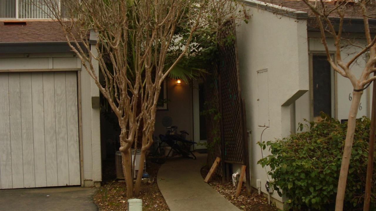 648 Knollwood Drive - Photo 1