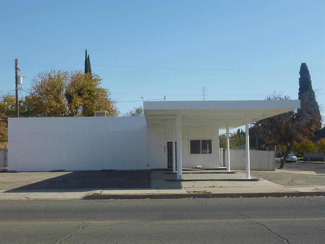 1657 Center Ave - Photo 1