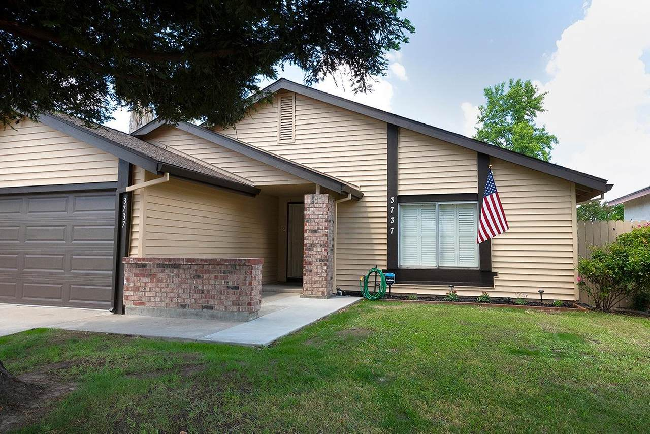 3737 Country Drive - Photo 1