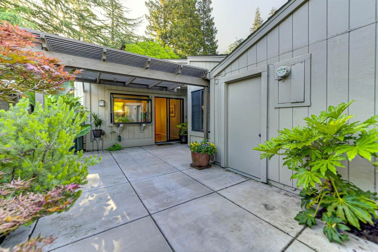 13 Colby Court - Photo 1