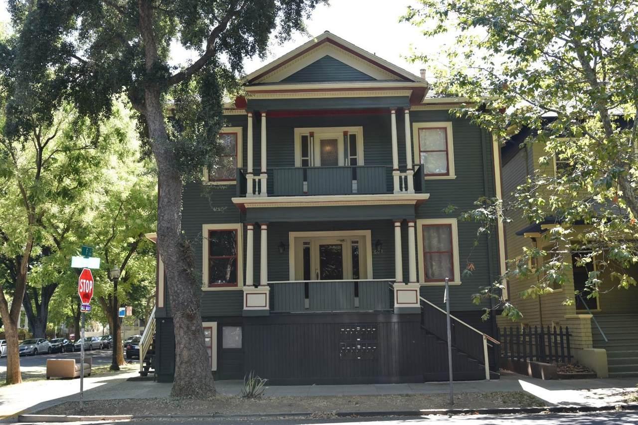 601 10th Street - Photo 1