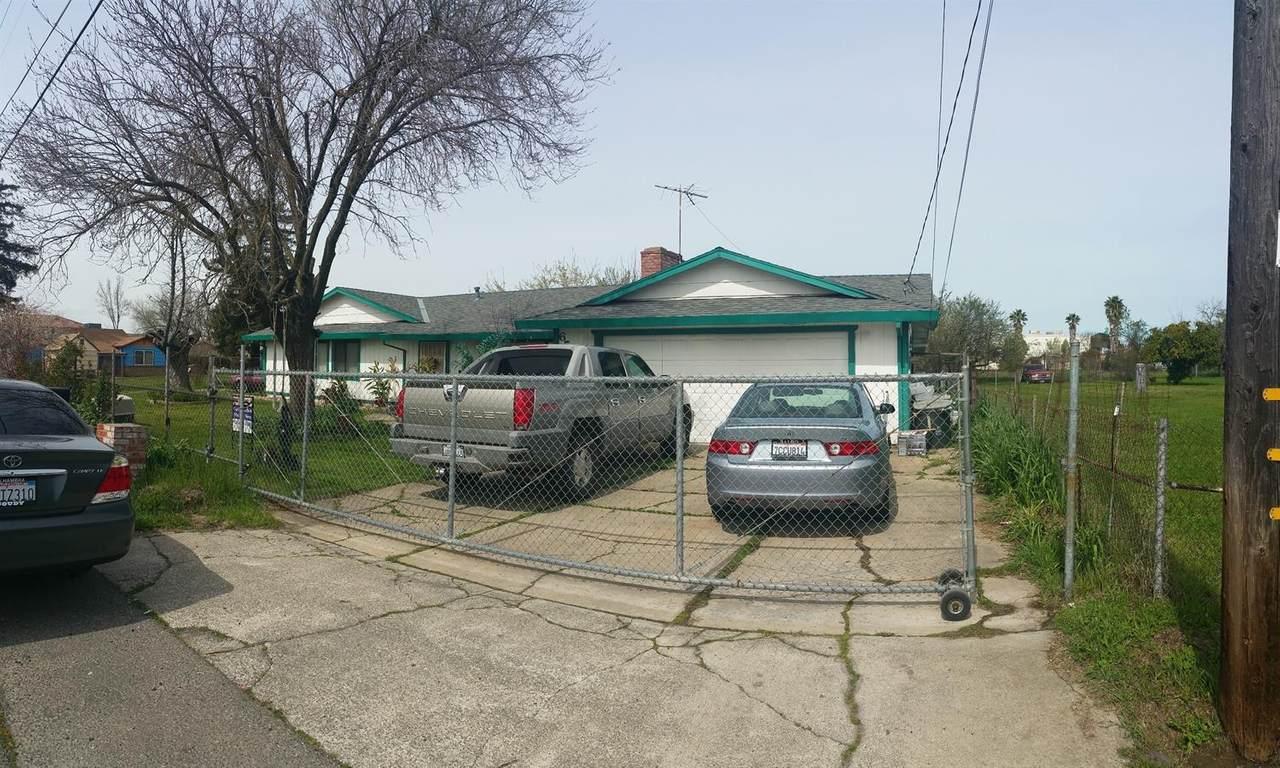6533 Stacy Avenue - Photo 1