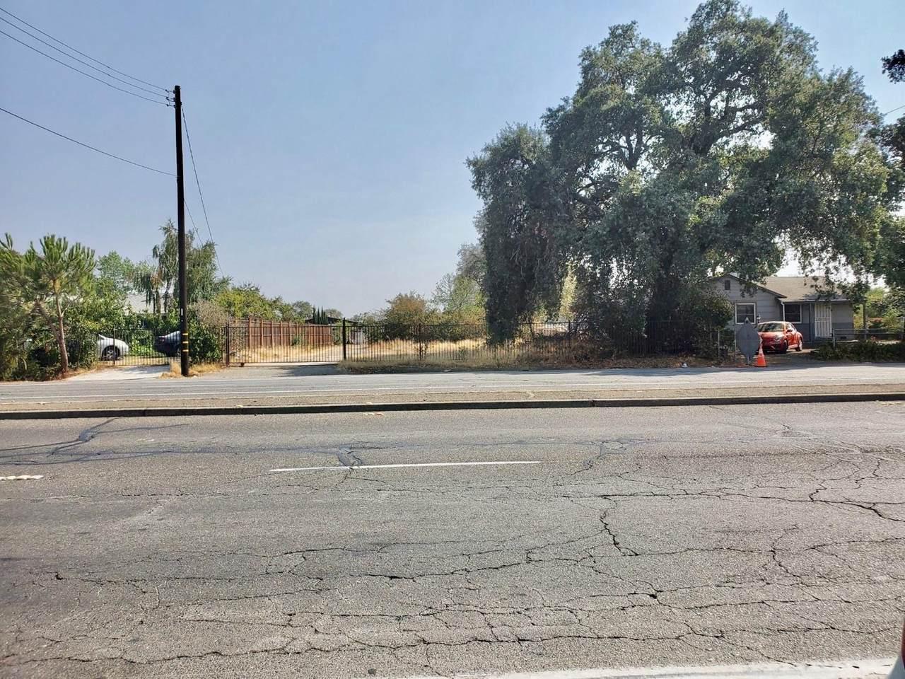 300 Elkhorn Boulevard - Photo 1
