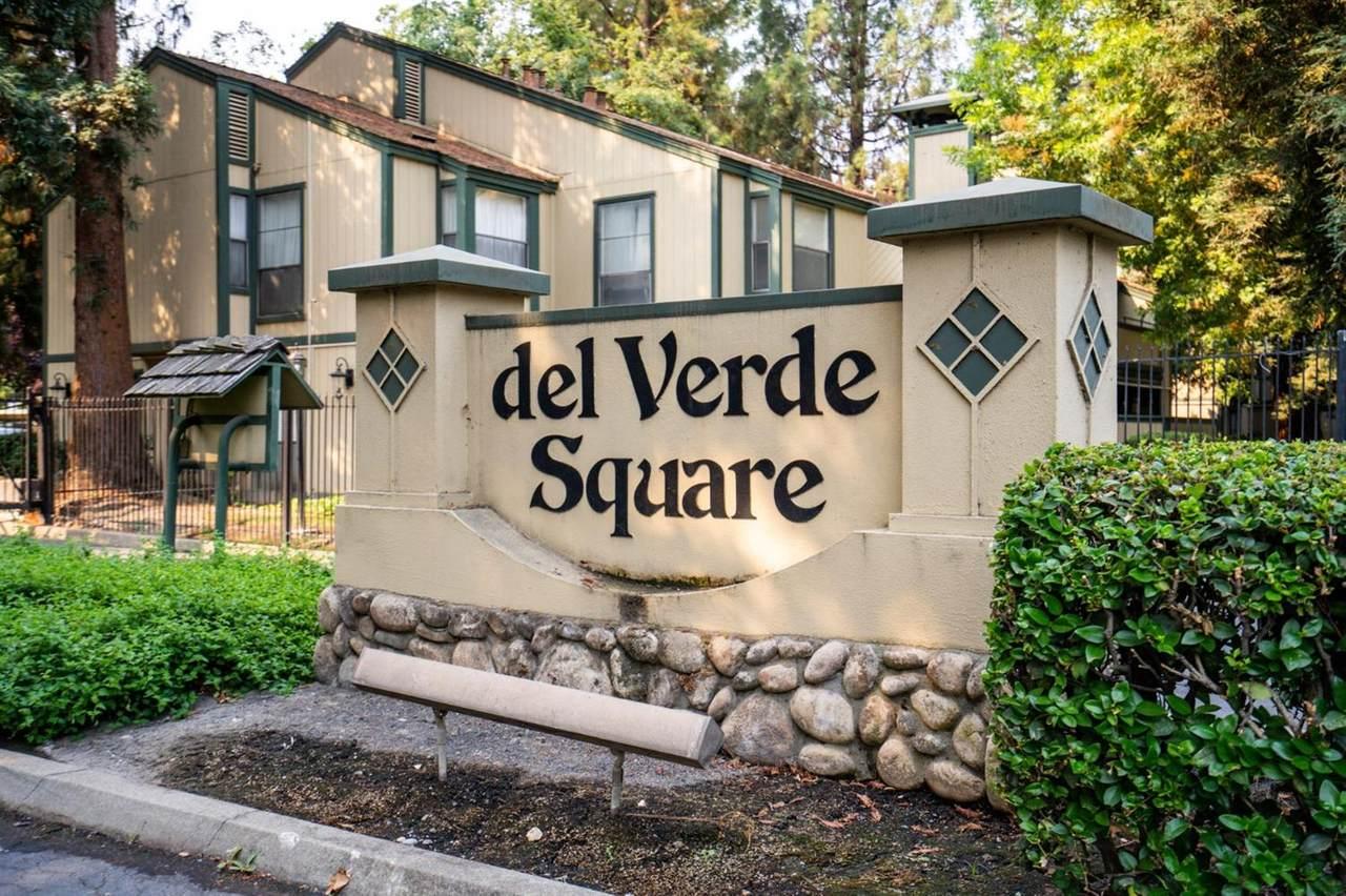 301 Del Verde Circle - Photo 1