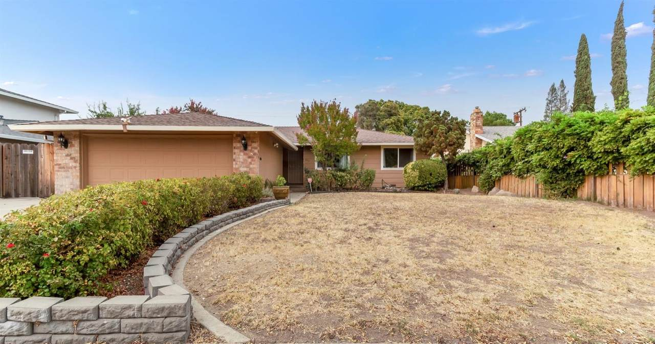 8917 Sutters Gold Drive - Photo 1