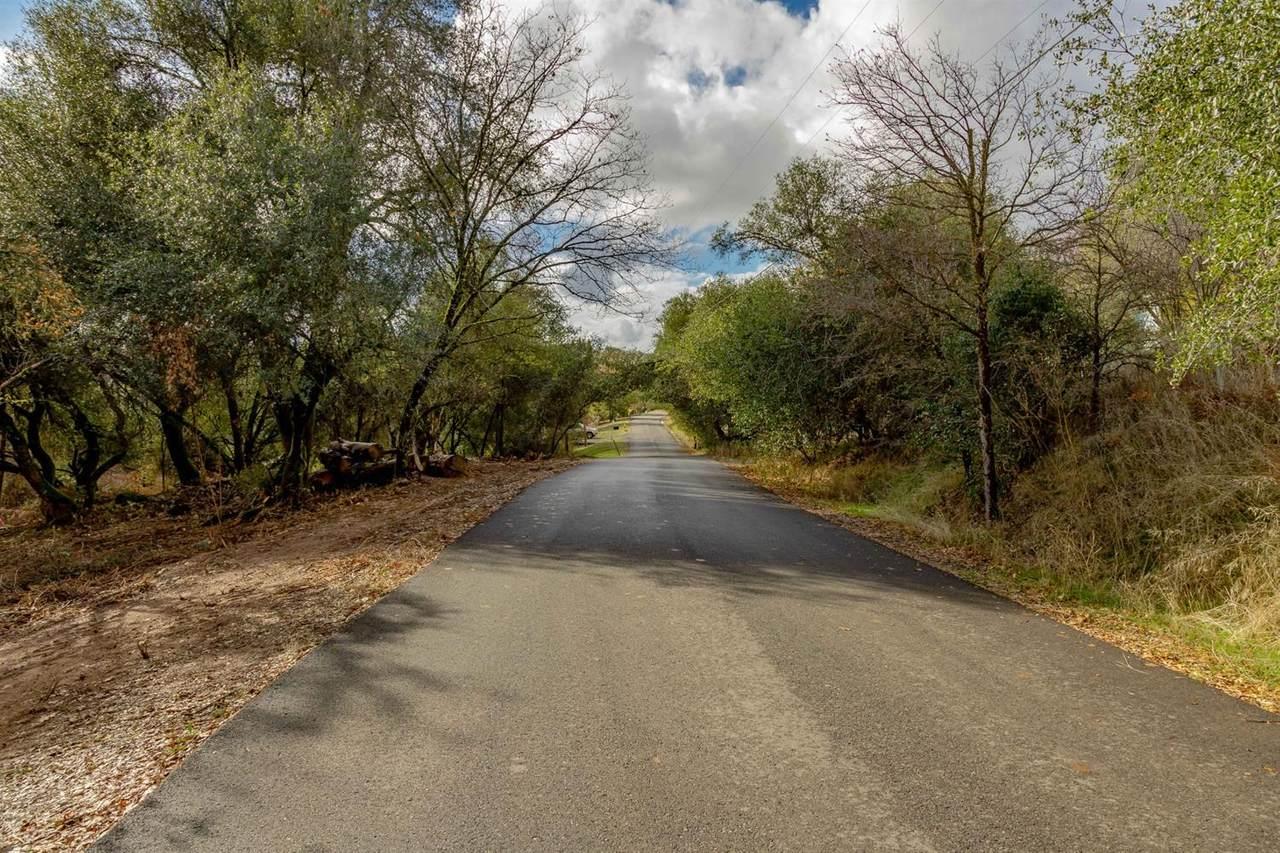 1074 Bridgeview Dr - Photo 1