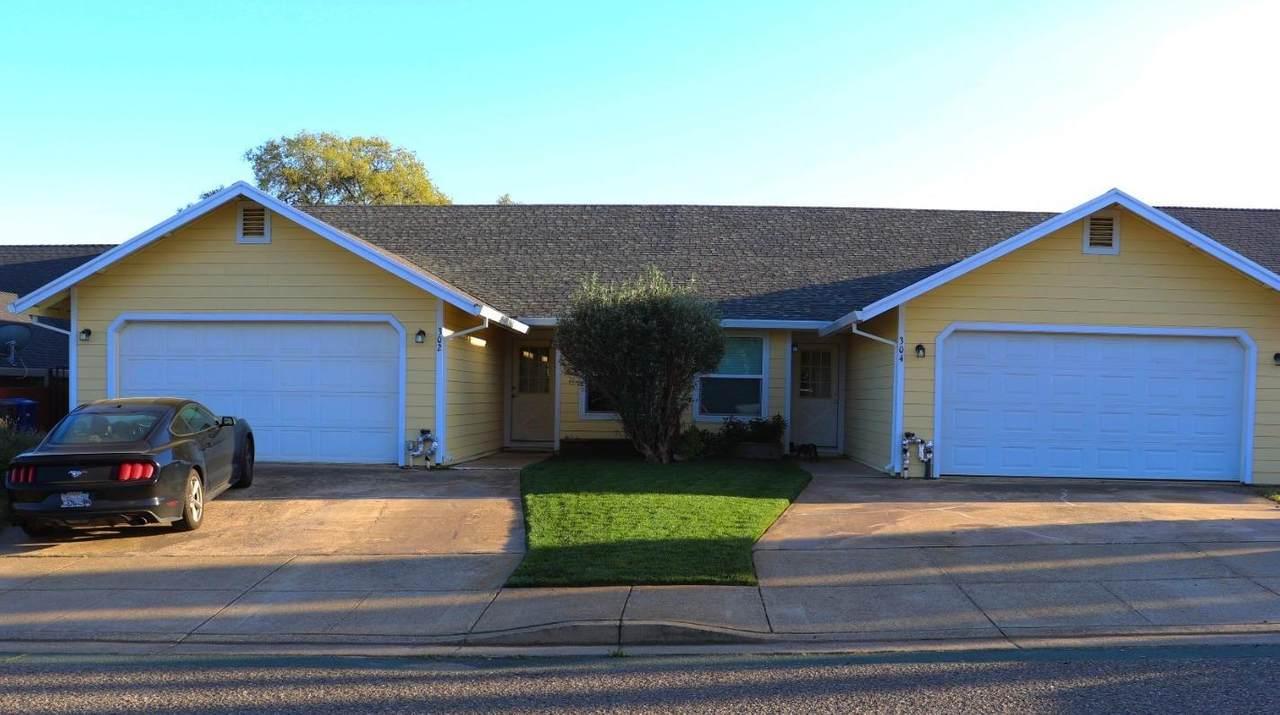 302 Westview Drive - Photo 1