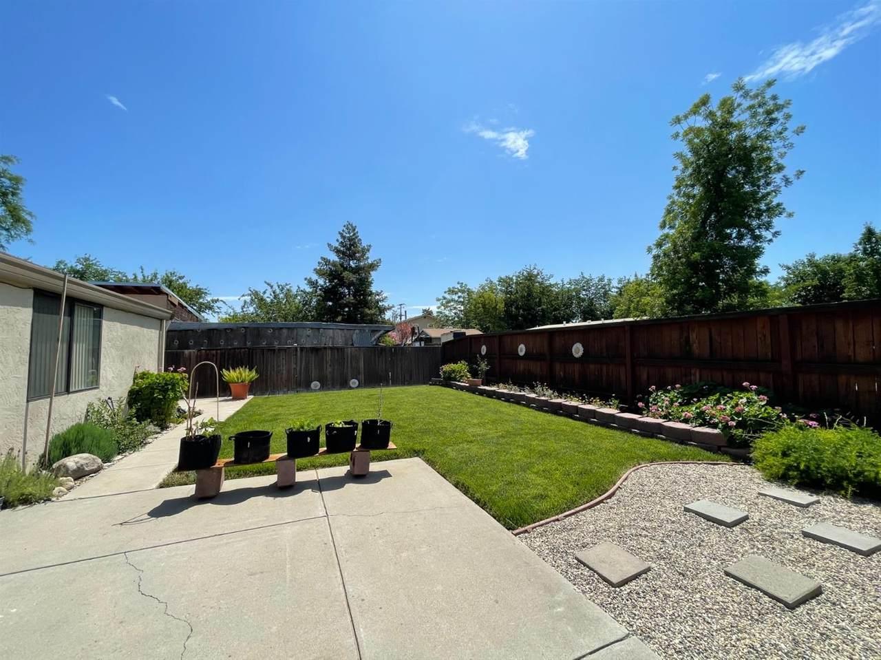 921 Villa Terrace - Photo 1