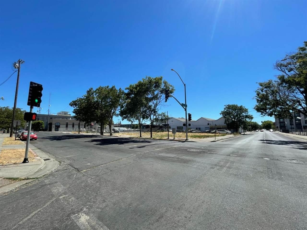 549 San Joaquin Street - Photo 1
