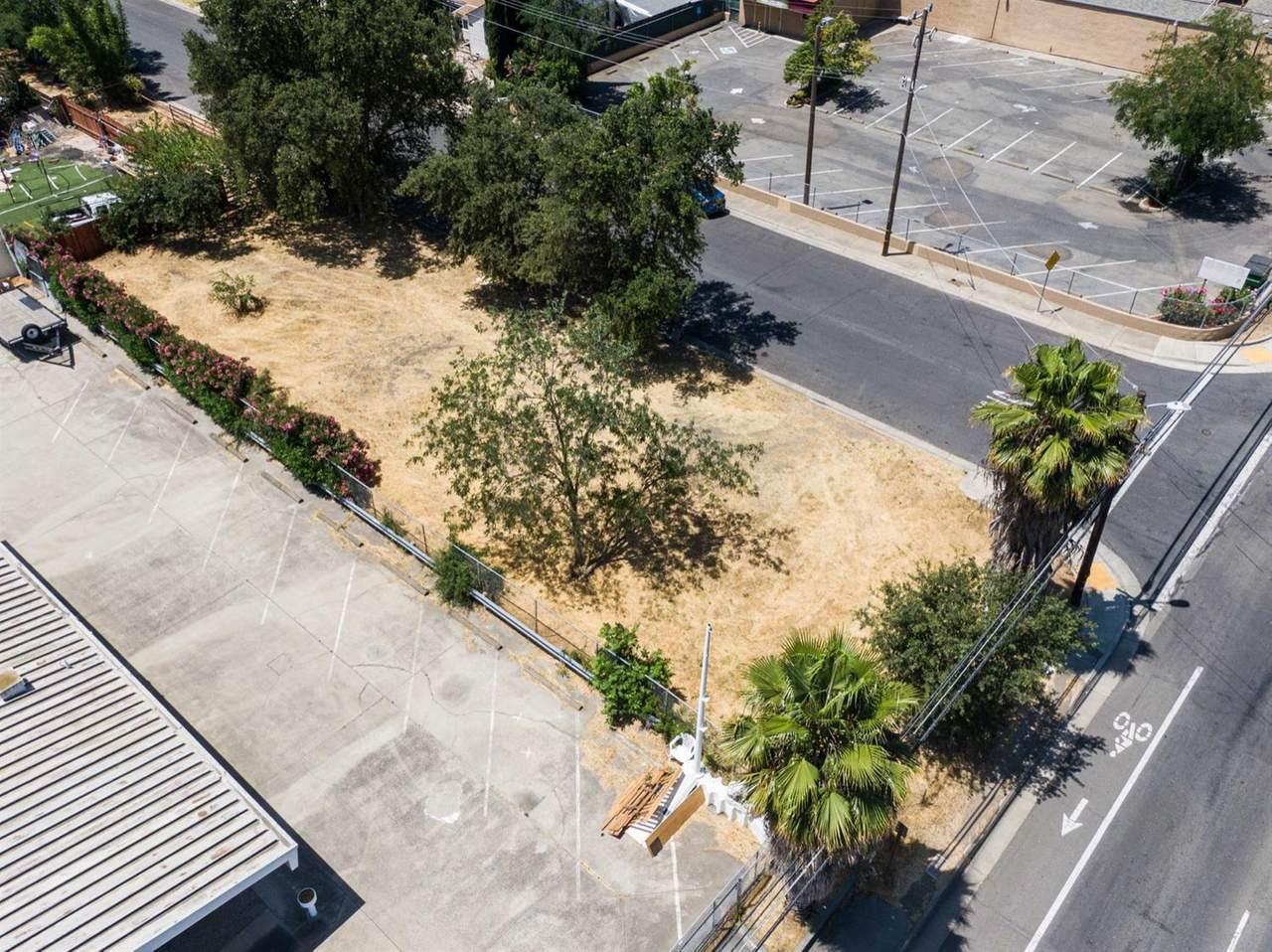 1525 Sacramento Avenue - Photo 1