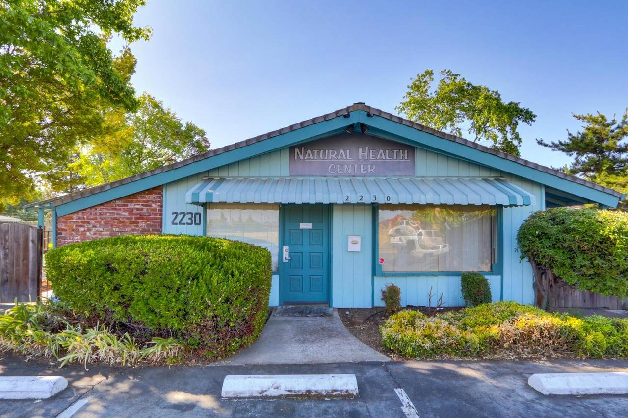 2230 Loma Vista Drive - Photo 1