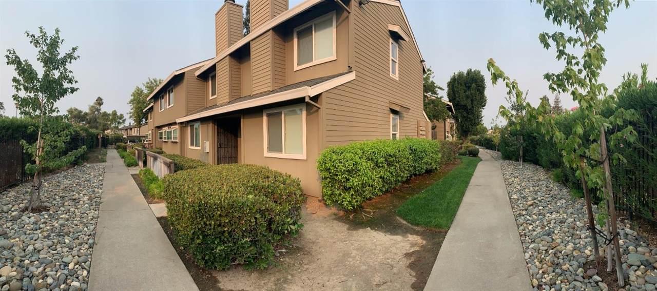 5577 Hillsdale Boulevard - Photo 1
