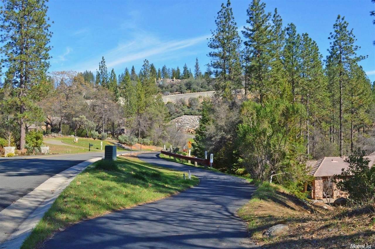 1451 Lodge View Drive - Photo 1