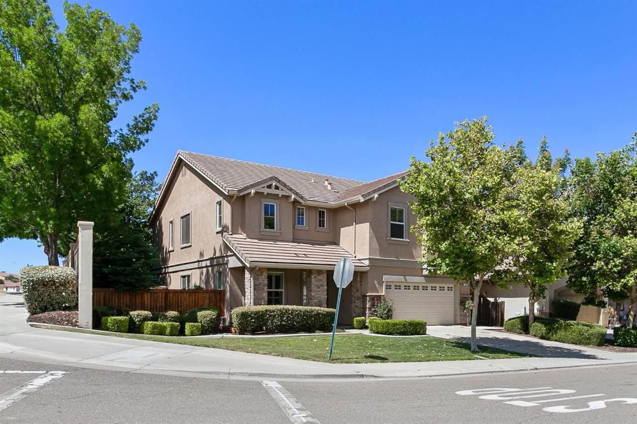 9401 California Oak Circle - Photo 1