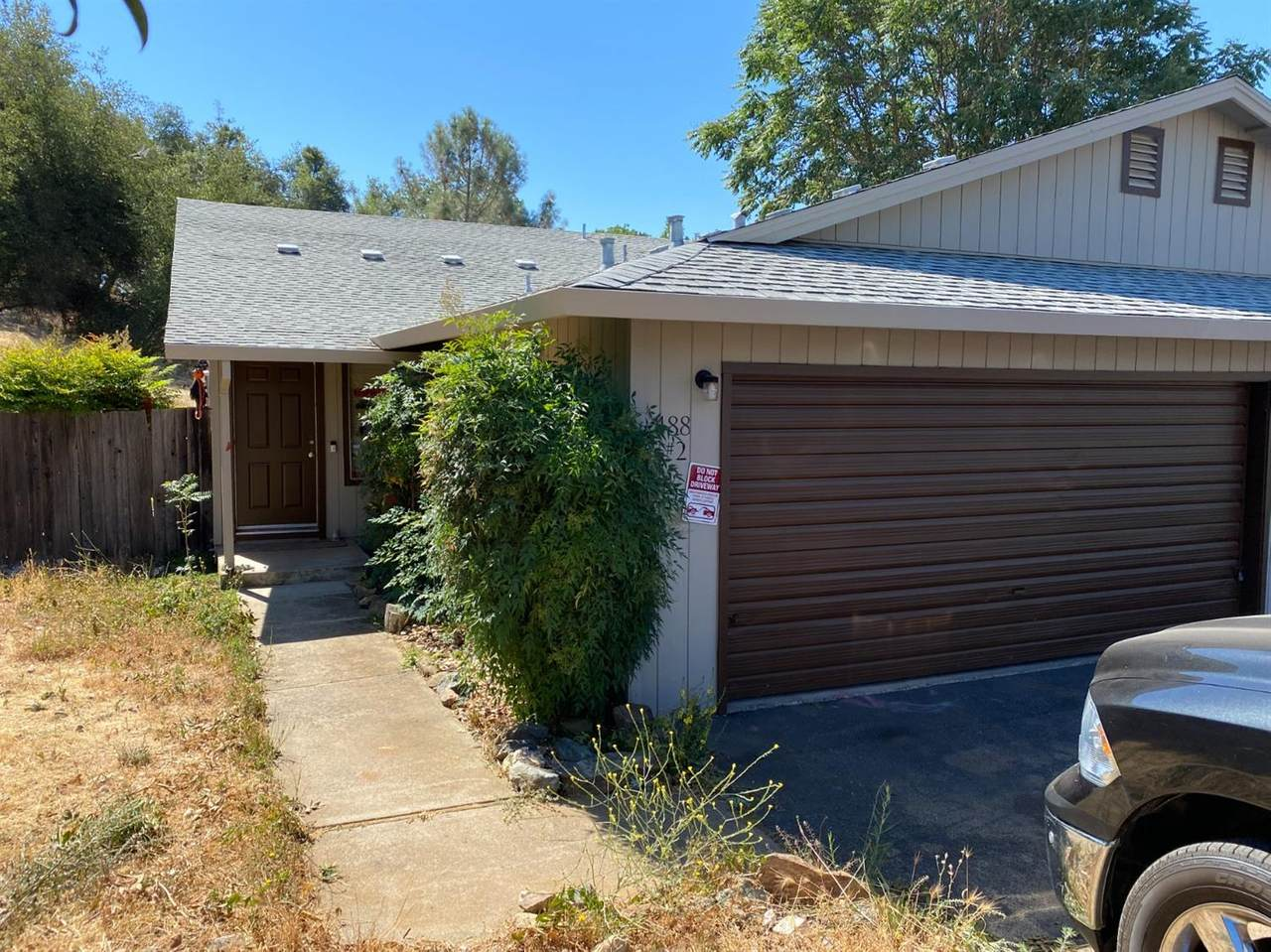 488 Foothill Court - Photo 1