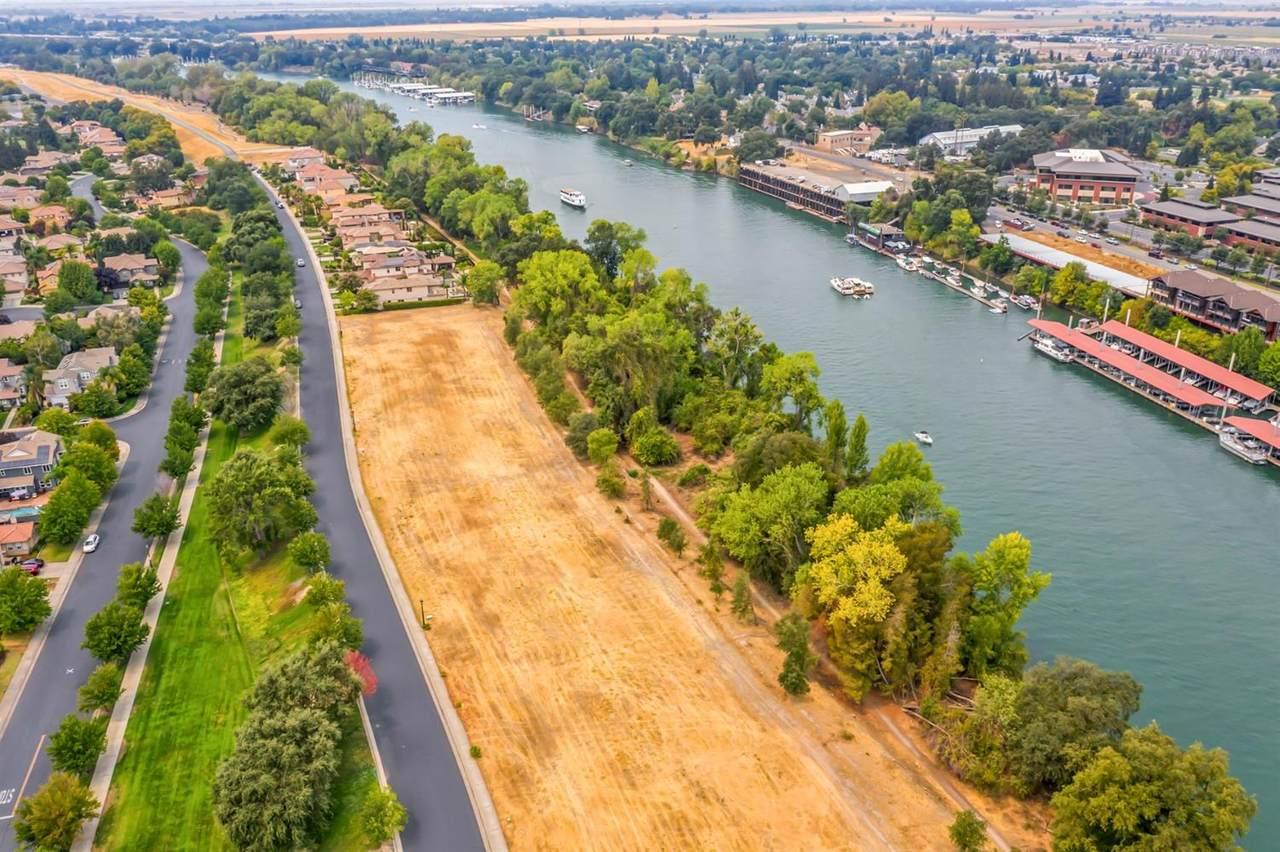 840 River Crest Drive - Photo 1