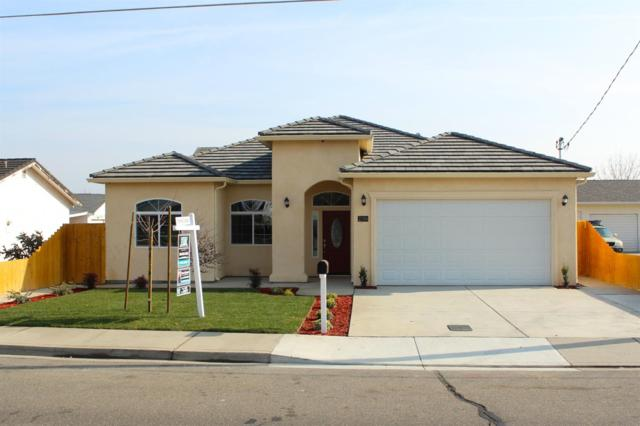 2106 7th Street, Hughson, CA 95326 (MLS #18000258) :: The Del Real Group