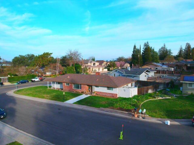 6927 Arrowwood Court, Riverbank, CA 95367 (MLS #18008056) :: Keller Williams - Rachel Adams Group