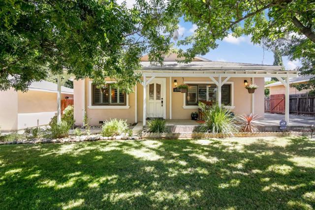 2304 Gunn Road, Carmichael, CA 95608 (MLS #18010393) :: Keller Williams Realty