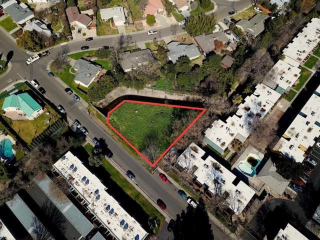 2 Wittkop Way, Sacramento, CA 95825 (MLS #18013846) :: Team Ostrode Properties